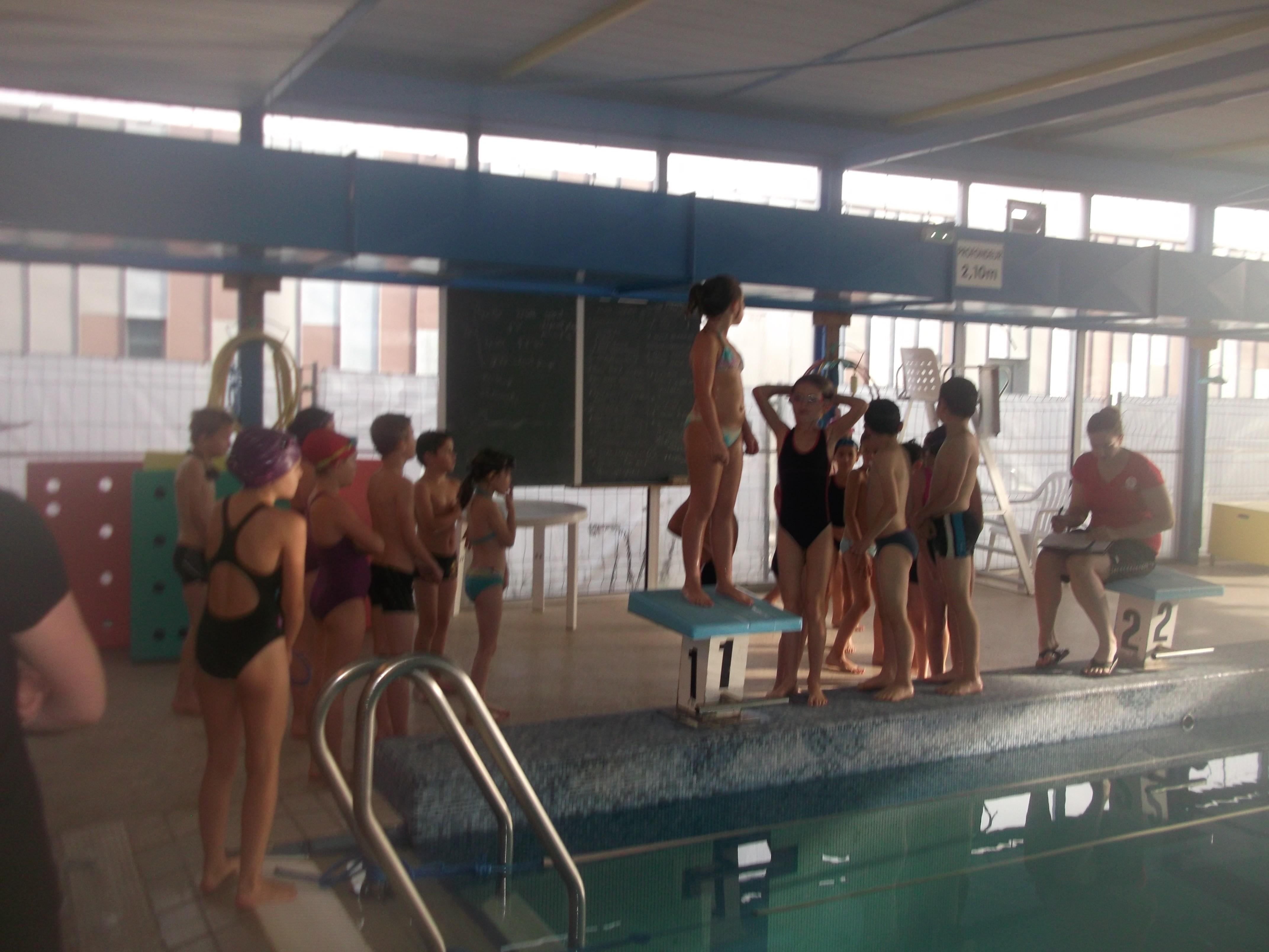Ecole st aubin for Vestiaires piscine